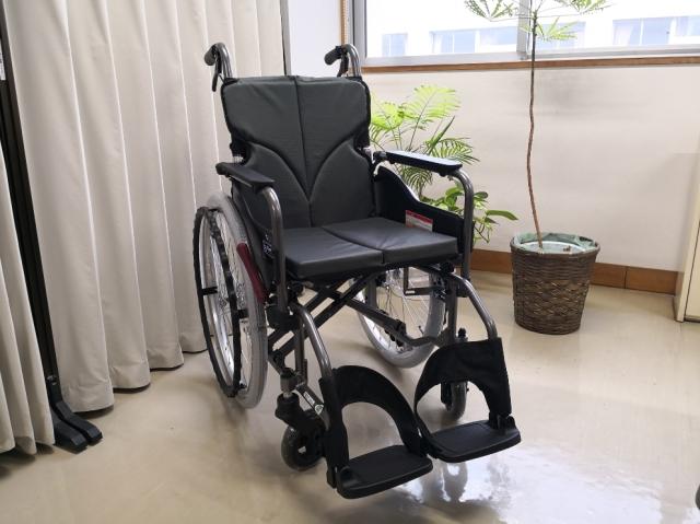 車椅子寄贈1