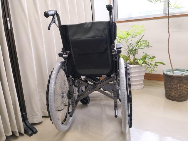 車椅子寄贈3